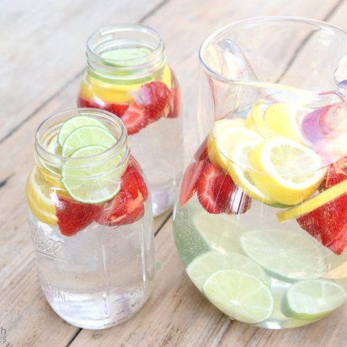 Citrus Water from RecipeswithEssentialOils.com