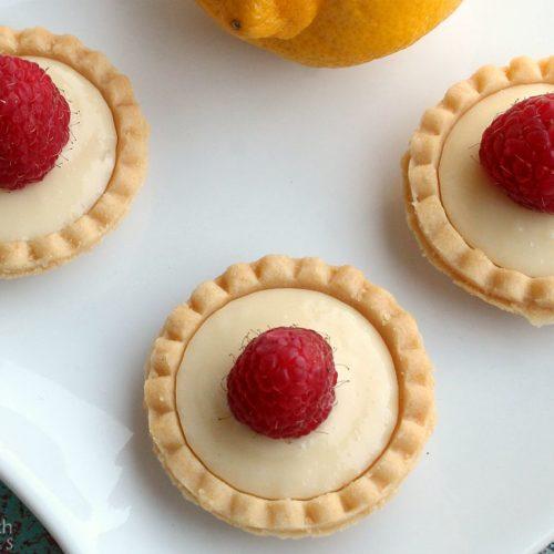 No Bake Lemon Cheesecake Tarts | RecipesWithEssentialOils.com