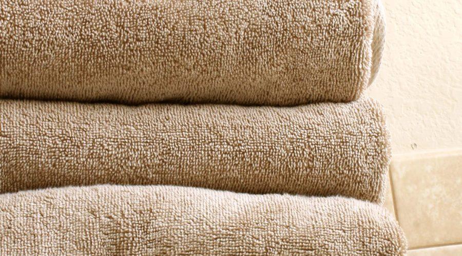Natural DIY Fabric Softener from RecipesWithEssentialOils.com