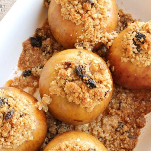 Baked Apples with Cinnamon & Nutmeg Streusel Recipe