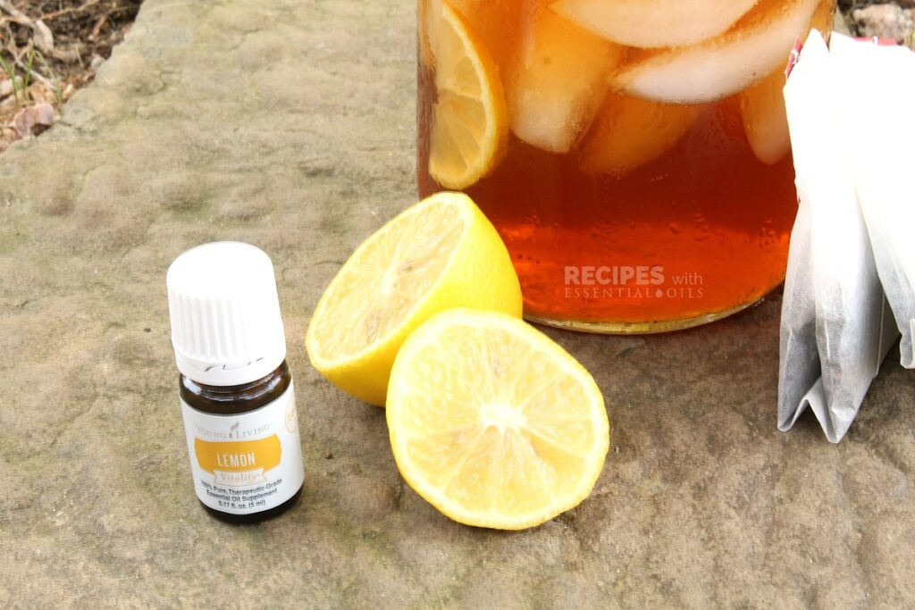 The Best Lemon Iced Tea Recipe from RecipeswithEssentialOils.com