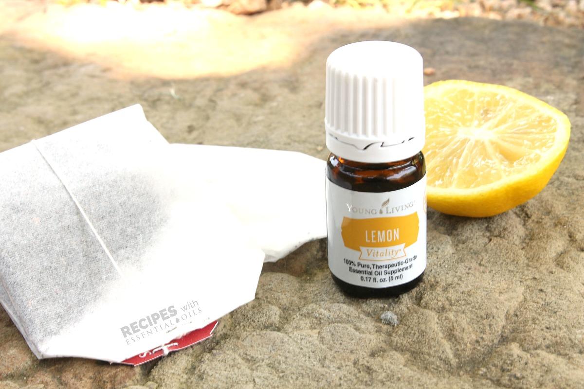 The Best Lemon Iced Tea Recipe from RecipeswithEssentialOils.com
