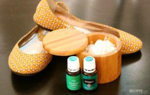 Shoe & Foot Deodorizing Powder + 4 Easy Tips to Kill Foot Odor Naturally