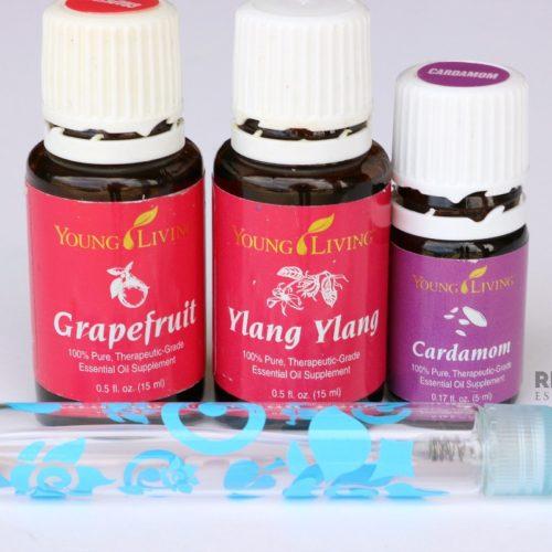 4 Floral Essential Oil Perfume Sprays from RecipeswithEssentialOils.com