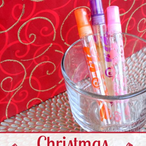 Christmas Perfume Spray Recipe plus more holiday essential oil gift ideas for her from RecipesiwthEssentialOils.com