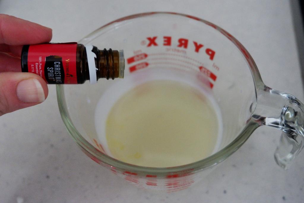 Christmas spirit essential oil recipe